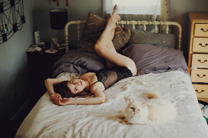 Хороший алкоголь, хороший секс и спящая совесть - вот идеальная жизнь.
