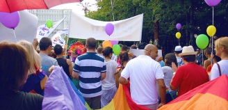 Gay pride. 65 de minute.